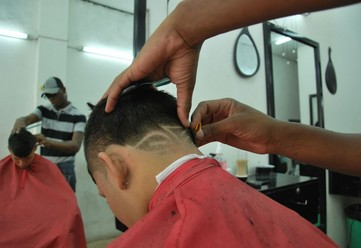 Barber OPPORTUNITIES Looking for exceptional Head Barber for a new concept in Singapore, we would li